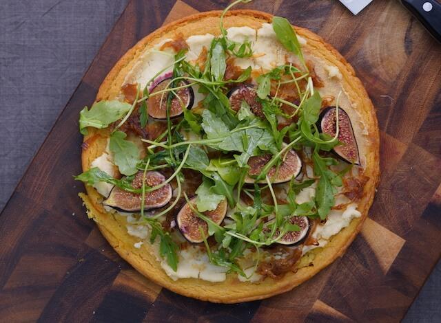 Caramelized Onion, Fig and Arugula Pizza